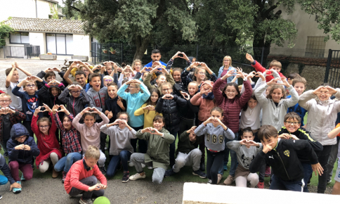 Dimitri Bertaud de retour à l'école Saint Marie de Castries pour la Dictée d'ELA